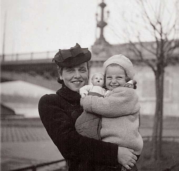 Vera with her mother in Budapest